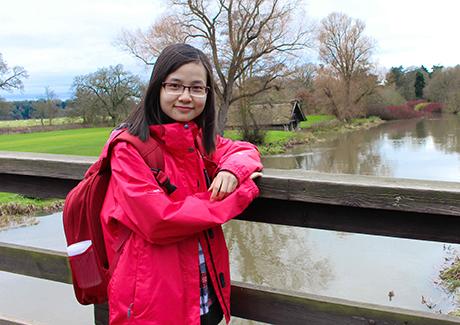 Nữ thạc sĩ 9X Việt nổi danh trên đất Anh